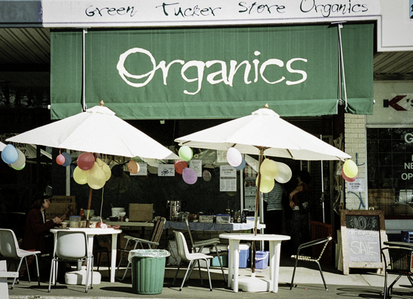 As organic foods grew in popularity from the late 1960s they required an effective distribution system. Seizing the opportunity were numerous small retail businesses specialising in organic fresh food and groceries.